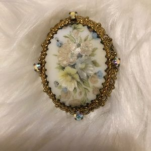 Gold Tone Brooch Floral Pin!!!